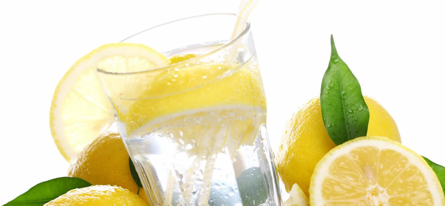19 benefits of lemon, water, and salt, all in one cup.